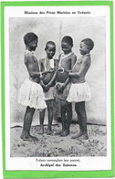 OCEANIE - Iles SALOMON - Enfants Contemplant Leur Portrait - Solomon Islands