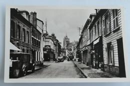 Carte Postale : 76 AUMALE : Rue Saint-Lazare,  Bus, Animé - Aumale