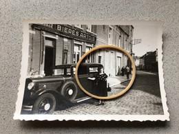 Genappe Photo D'époque Façade De La  Brasserie Du Garage Avec Ancienne Voiture 1942 - Unclassified