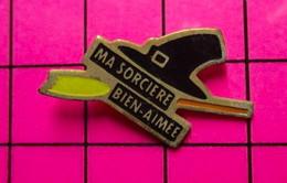 811G Pin's Pins / Beau Et Rare / THEME : MEDIAS / FEUILLETON CUCUL DES ANNEES 60 MA SORCIERE BIEN-AIME - Medien