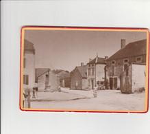 PHOTO CARTONNÉE (16x11 Cm) SAINTE COLOMBE (25) POMPE A MAIN - Other