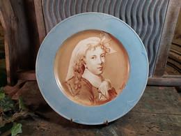 Assiette Faience Leveillé Rousseau 74 Bld Haussemann Décor Peint à La Main Signé Toussaint 1899 - Altri
