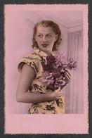 092825/ Jeune Femme, Années 30-40 - Femmes
