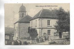 70 -   Ecole Et Eglise De BELVERNE ( Haute-Saône ) - Carte Animée - Other Municipalities