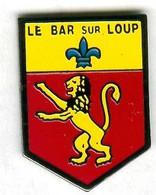 Pin's Ville Commune Armoirie écusson Blason Le Bar-sur-Loup Lion - Città