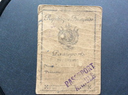 PASSEPORT  Année 1943  TIMBRES FISCAUX & CONSULAIRES - Historical Documents