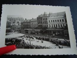 Photo  Procession Du Car D'or Mons En 1956 (10cm/7cm) Photo Tirée De L'appartement Grand Place 27 Brasserie De Bruxelles - Lieux