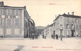 63 - AMBERT : Avenue Du Pont - Hotel Du Puy De Dome ( Animation ) CPA Village ( 6.743 Habitants ) Puy De Dôme - Ambert