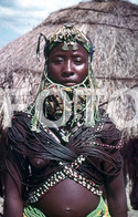 ANGOLA ETHNIC TRIBE NUDE NUE NACKT YOUNG GIRL WOMAN FEMME AFRICA AFRIQUE 35mm DIAPOSITIVE SLIDE NO PHOTO FOTO NB480 - Dias