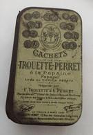 Boite En Fer Cachets De TROUETTE-PERRET - Se Trouve à Paris Chez  F. TROUETTE-PERRET 15, Rue Des Immeubles Industriels - Boxes