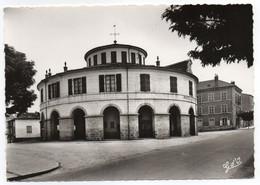 CPSM   63   LE LIVRADOIS AMBERT     -       HOTEL DE VILLE ET BOULEVARD HENRI IV - Ambert