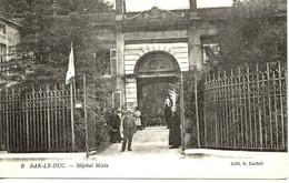 55 -  Bar Le Duc - Hôpital Mixte  * CPA Animée * **curé En Soutane ** - Bar Le Duc