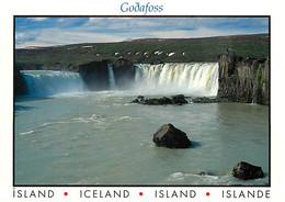 Islande - Godafoss Waterfall In Skjâlfandafijôt River - La Chute D'eau Godafoss Dans La Rivière De Skjâlfandafijôt - Car - IJsland