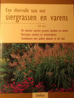 Een Sfeervolle Tuin Met Siergrassen En Varens - Door Ulrike Leyhe - 2003 - Grassen Tuinen Tuinaanleg Planten Siertuin - Non Classés