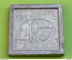 """Grosse Médaille Carré En étain """"Fonderie De Gentilly"""" 91 Ris-Orangis - Essonne - Professionals / Firms"""