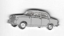 Pin's  Automobile  Grise  ( Modèle  à  Déterminer ) - Ohne Zuordnung