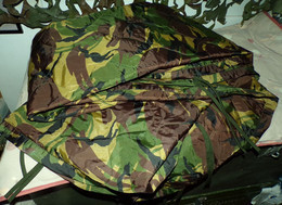 COUVERTURE PONCHOLINER , Poncho Liner Camouflage Est Une Couverture D'appoint Pour Se Protéger Du Froid,c'est Un Produit - Equipaggiamento