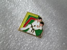 PIN'S    SPORT   JUDO    CLUB   MONTPON - Judo
