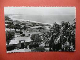 CPSM   MAROC  AGADIR VUE SUR LA BAIE ET LA PLAGE     VOYAGEE   TIMBRE - Agadir