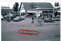 Belvaux Photo Original P,Voitures,STATION SHELL Et Garage,Championat Sur Route à Belvaux 1973 ARRIVEE. - Autres