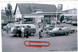 Luxbg, Photo Original P,Voitures,STATION SHELL Et Garage,Championat Sur Route à Belvaux 1973 ARRIVEE. - Autres
