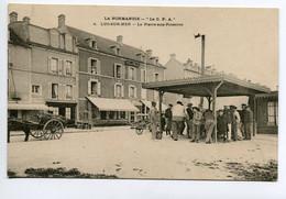 14 LUC Sur MER La Pierre Aux Poissons Vente  Sous Petite Halle  No 2 La CPA  - Timb 1904   D12 2019 - Luc Sur Mer