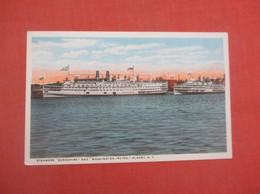 Steamer Berkshire  & Washington Irving  Albany NY    Ref 5165 - Passagiersschepen
