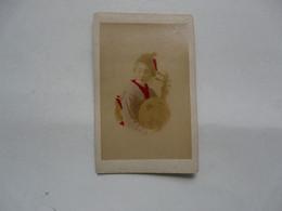 PHOTO ANCIENNE JAPON Sur Support Cartonné : Scène Animée - Geisha Et Instrument De Musique - Antiche (ante 1900)