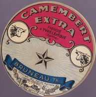 ÉTIQUETTE DE FROMAGE - CAMEMBERT FABRIQUÉ A YVRÉ L'ÉVÉQUE - BRUNEAU TH. - Cheese