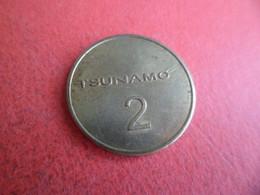 Jeton De Lavage TSUNAMO - 2 - En Cuivre Laiton Diamètre : 2,3 Cm - N'existe Plus Devenu MADIC Wash En 2019 - Professionals / Firms
