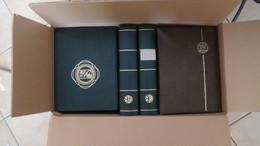W190 Carton 28 Kgs De 17 Albums Vides D'occasion Majorité 32 Pages Blanches Ou Noires... Voir Commentaires + Photos !!! - Kilowaar (min. 1000 Zegels)