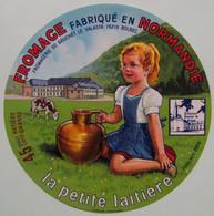 Etiquette Fromage - La Petite Laitière - Fromagerie De Gruchet 76-E à L'Abbaye Du Valasse - Seine-Maritime  A Voir ! - Cheese