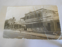 Papier Vieux Carte Postale Madagascar Tamatave  Tabac  Patisserie - Collections
