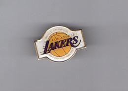 Pin's Basket Ball / Lakers Los Angeles - World Champion (époxy) Longueur: 3 Cm - Pallacanestro