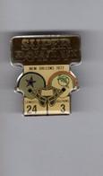 Pin's Football Américain / Super Bowl VI New Orleans 1972 , Cowboys 24 - Dolphins 3 (époxy Signé Starline) - Altri