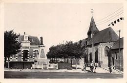Wissant - L'Eglise Et Monument Aux Morts - Wissant