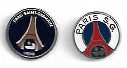 LOT DE 2 PIN'S FOOTBALL PSG - Calcio