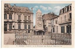 MANSLE - Le Monument Aux Morts Et L'Hôtel De Ville - Mansle