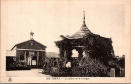 ALGERIE -- Les ISSERS -- La Place Et Le Kiosque - Other Cities