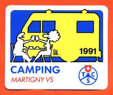 Autocollant Région - Camping Martigny 1991 - Suisse - Illustré Par Cava - Camping Car - Stickers