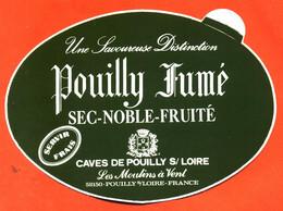 Autocollant Pouilly Fumé Caves De Pouilly Sur Loire - Stickers