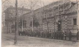 CPA (81) ALBI N° 13 Collège Ste Marie Boulevard Carnot Avec Groupe De Soldats Alignés Militaire Militaria  2 Scans - Albi