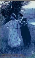 CPA Tendre Becquée, Joie De L'amour, Puissions-nous L'échanger Toujours - Couples
