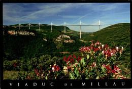 Millau Le Viaduc      CPM Ou CPSM - Millau
