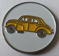 Jeton De Caddie - Automobiles - RENAULT 4 CV - Jaune  - En Métal - Neuf - - Einkaufswagen-Chips (EKW)