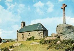 ILES CHAUSEY...chapelle Et Le Calvaire - Altri Comuni