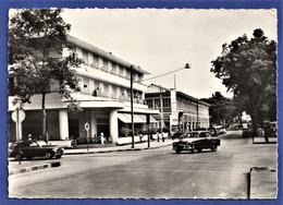 ***TRES RARE CPSM CÔTE-D'IVOIRE - ABIDJAN - Le Café De France Et L'Hôtel Du Parc - (Simca Aronde, ...) - Ivory Coast