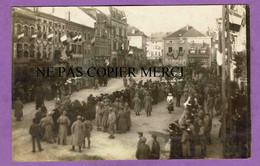 MORHANGE - Rare Carte Photo Entrée Du 32eme - Militaires - Foule - Drapeau Americain - Autres Communes