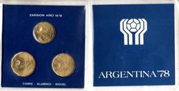 Fußball-WM Argentinien 1978 - 3 Sondermünzen Mit 20,50,100 Pesos In Schutzmappe - Other - America