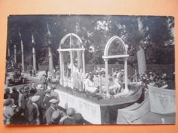GISORS  ( EURE ) Carte Photo D'un Défilé Carnavalesque       - Par KOPP  Jacques - Gisors
